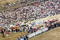 The field bunches up on the first lap
