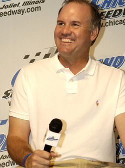 Ryne Sandberg former Chicago Cubs player, grand marshall at Chicagoland