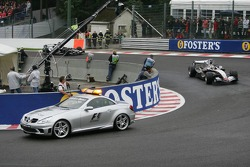 Safety car out after the crash of Giancarlo Fisichella