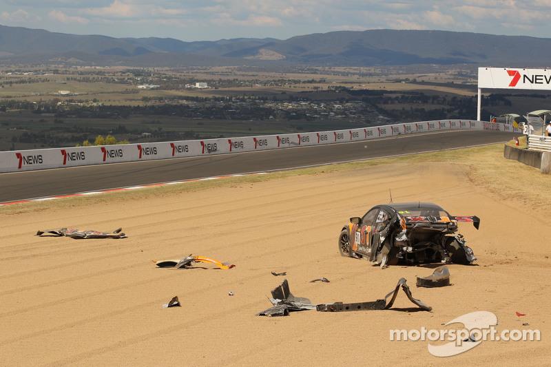 #91 MARC Cars Australia Mazda 3 V8: Keith Kassulke, Jake Camalleri, Ivo Breukers in huge crash