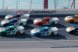 Three-wide racing