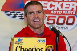 Press conference: Bobby Labonte anounces driving the #43Cheerios car in 2006