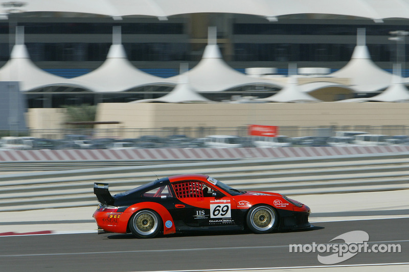 #69 Proton Competition Porsche 996 GT3-RS: Gerold Ried, Jaber Bin Ali Al Khalifa
