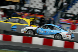 Porsche GT3 and Renault Mégane Trophy on track