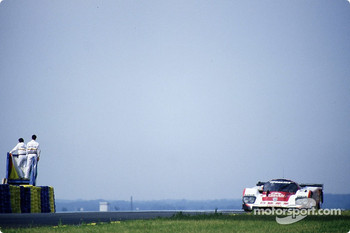 #4 Trust Racing Toyota 94C: Bob Wollek, George Fouch, Steven Andskar