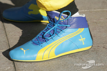 Racing shoes of Heikki Kovalainen