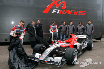 Christijan Albers, Tiago Monteiro, Alex Schnaider and Colin Kolles unveil the MF1 Racing M16