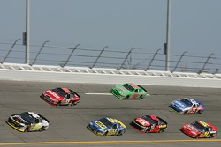 Bill Elliott leads the pack in turn 3
