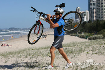Red Bull fitness training in Surfers Paradise: Christian Klien