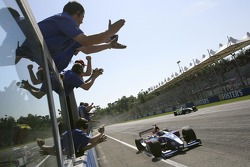 Ernesto Viso wins the race