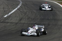 Jacques Villeneuve leads Nick Heidfeld