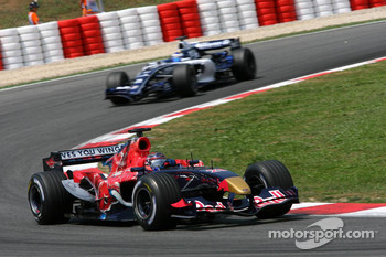 Scott Speed leads Nico Rosberg