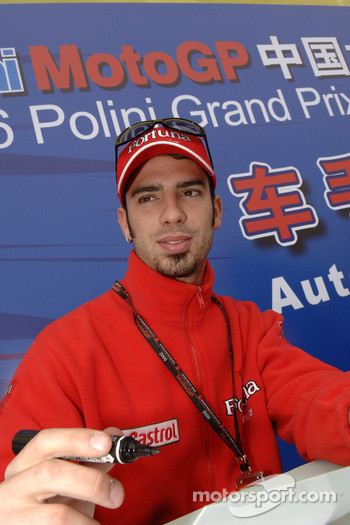 Autograph session for Marco Melandri