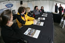 Women in racing fans forum