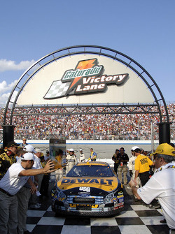 Race winner Matt Kenseth enters victory lane