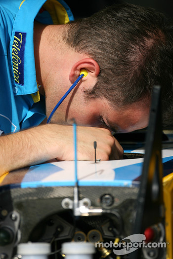 Renault team member at work
