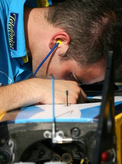 Renault team member at work