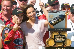 Jeff Gordon celebrates his victory with his fiancé model Ingrid Vanderbosch