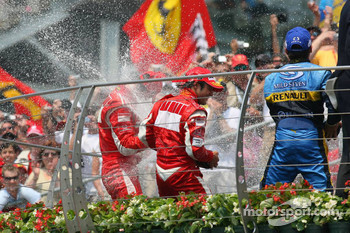 Podium: champagne for Michael Schumacher, Felipe Massa and Giancarlo Fisichella