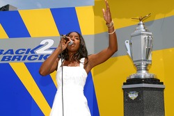 Singer Kelly Rowland performs National Anthem