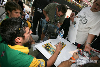 Ford Racing Festival on Crescent street: Alex Tagliani signs autograph sessions