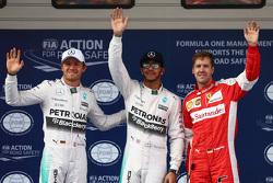 Tweede plaats Nico Rosberg, Mercedes F1, Polesitter Lewis Hamilton, Mercedes F1 en derde plaats Sebastian Vettel, Ferrari
