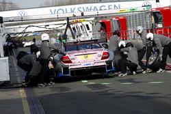 Pit stop for Gary Paffett, ART Grand Prix Mercedes-AMG C63 DTM