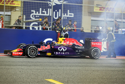 Daniel Ricciardo, Red Bull Racing RB11 stops at the end of the race with a blown engine