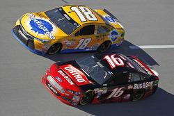 David Ragan, Joe Gibbs Racing Toyota and Greg Biffle, Roush Fenway Racing Ford