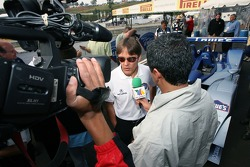 Fernandez Racing Lowe's Acura Lola LMP2 presentation: Adrian Fernandez talks with members of the media