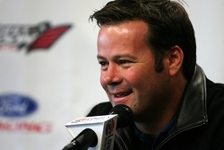 Robby Gordon Motorsports press conference: Robby Gordon announces that Robby Gordon Motorsports will race Ford Fusions in 2007