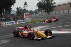 Sébastien Bourdais leads Justin Wilson