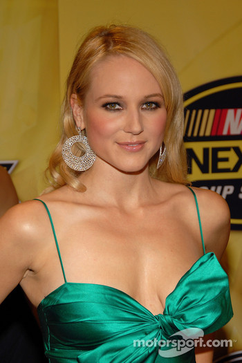 Singer Jewel poses for photos on the red carpet prior to performing at the 2006 NASCAR NEXTEL Cup Awards Ceremony