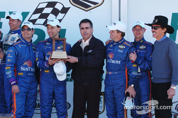 DP Podium: Third place Wayne Taylor, Max Angelelli, Jeff Gordon, Jan Magnussen