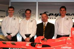 James Key, Christijan Albers, Mike Gascoyne and Adrian Sutil