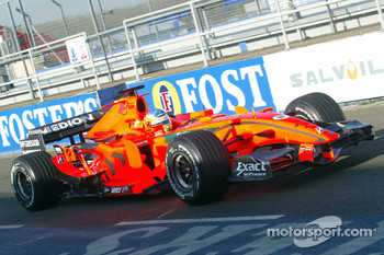 Adrian Sutil tests the 2007 Spyker-Ferrari F8-VII