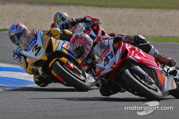 Noriyuki Haga rounds Max Biaggi to go on to take out 3rd position