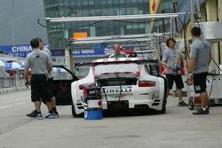 BMS Scuderia Italia pit area