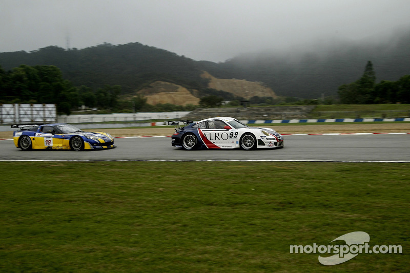 #99 Tech9 Motorsport Porsche 997 GT3 RSR: Leo Machitski, Sean Edwards, #19 PSI Experience Corvette C6R: Luke Hines, Philipp Peter
