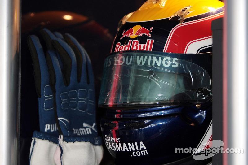 The helmet and gloves of Mark Webber