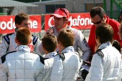 Vodafone Spain Go-Karting Challenge: Fernando Alonso, McLaren Mercedes, talks to the young go-karters