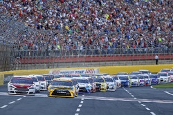 Start: Matt Kenseth, Joe Gibbs Racing Toyota leads