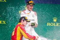 Podium: race winner Sergey Sirotkin, Rapax, second place Alexander Rossi, Racing Engineering