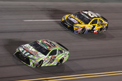 Kyle Busch, Joe Gibbs Racing Toyota and Matt Kenseth, Joe Gibbs Racing Toyota