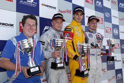 Race 1 Podium: second place Felix Rosenqvist, Prema Powerteam and winner Antonio Giovinazzi, Jagonya Ayam with Carlin and third place Markus Pommer, Motopark Dallara Volkswagen