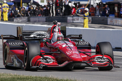 Graham Rahal, Rahal Letterman Lanigan Racing Honda takes the win