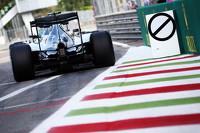 Formel 1 Fotos - Lewis Hamilton, Mercedes AMG F1, W06; Nico Rosberg, Mercedes AMG F1, W06