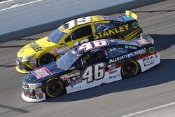 Michael Annett, HScott Motorsports Chevrolet and Carl Edwards, Joe Gibbs Racing Toyota