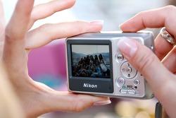 Formula Unas girls: a camera