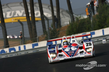 #25 RML Lola B05-40 AER: Thomas Erdos, Mike Newton, Andy Wallace